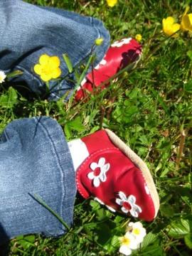 http://lestourtereaux.free.fr/blog/mai-2010/alizee-fleurs-2.JPG