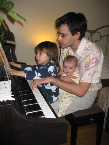 http://lestourtereaux.free.fr/blog/mai-2010/piano.jpg