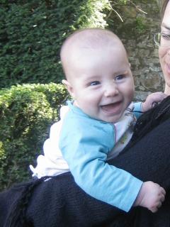 Le petit Milan rigole !